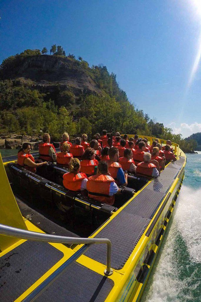 Niagara falls jet boat