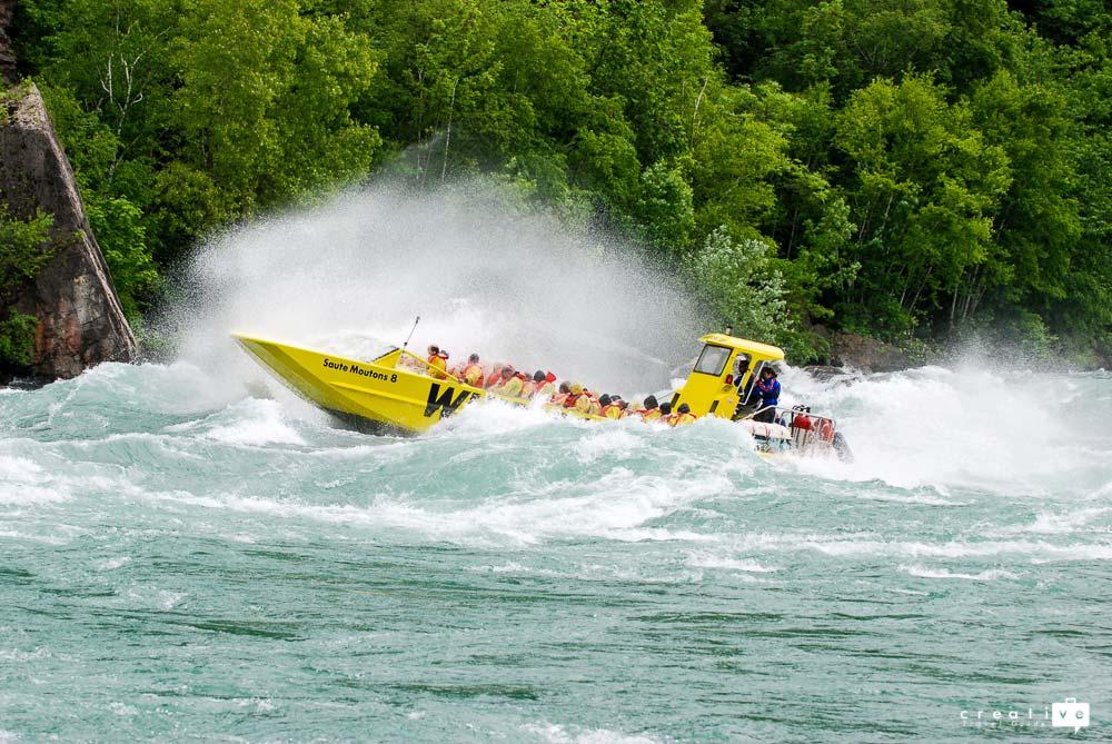 Jet boat Niagara Falls