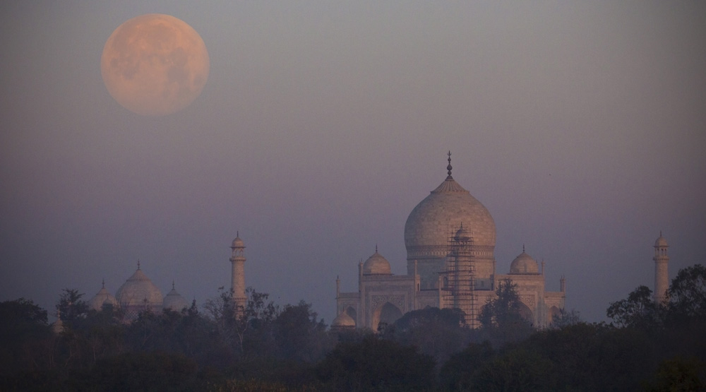 India skyline Cheapest travel destinations in Asia