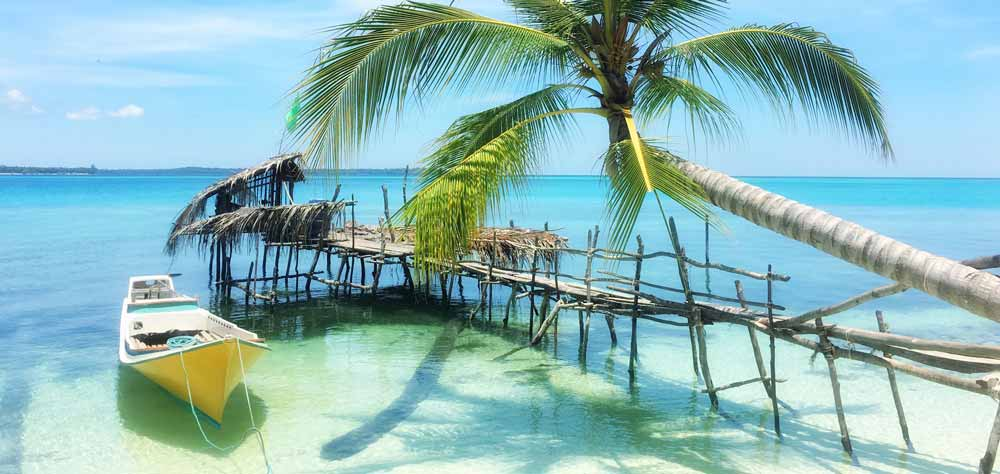 Beautiful beach in The Philippines cheapest destinations