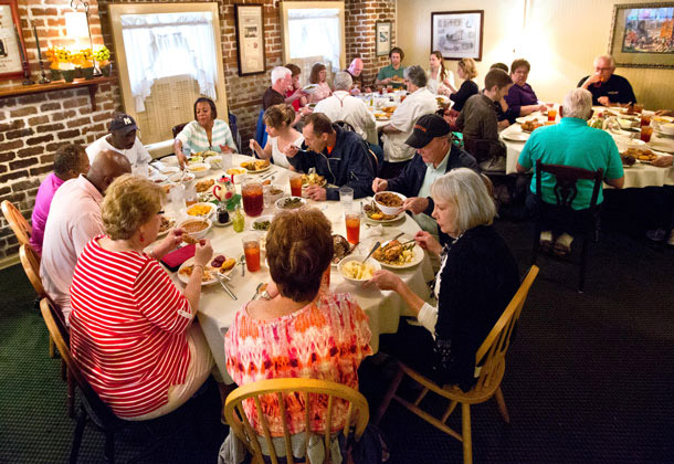Mrs. Wilkes Dining Room Savannah restaurants