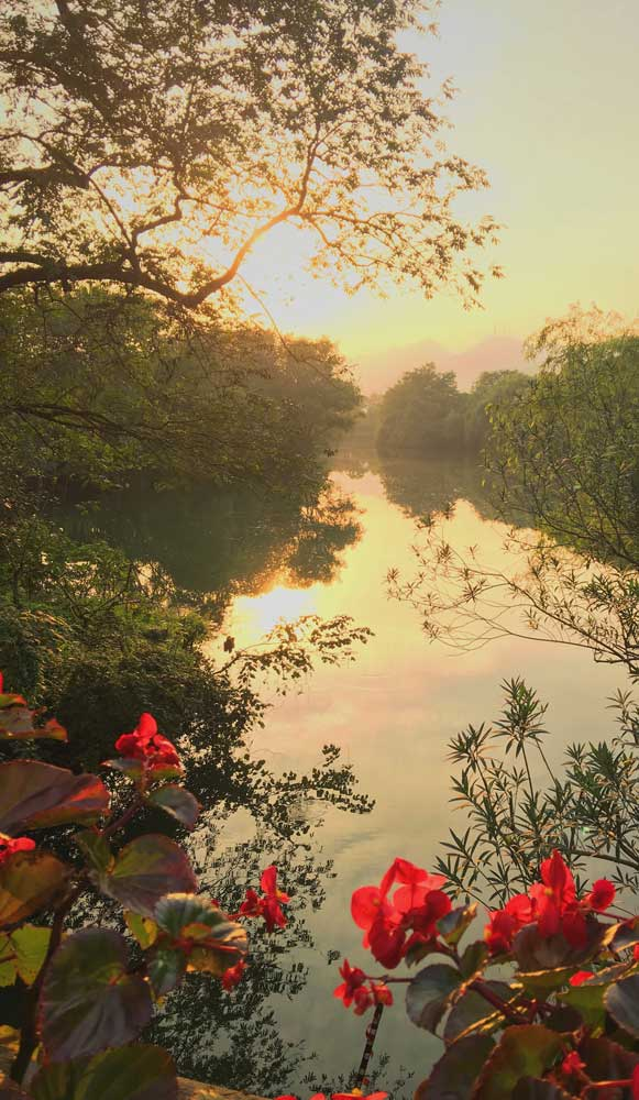 Hangzhou West lake at sunset best places to visit in China