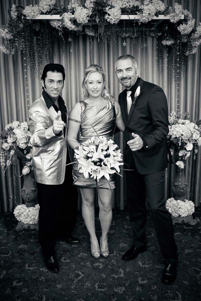 Vegas wedding with Elvis