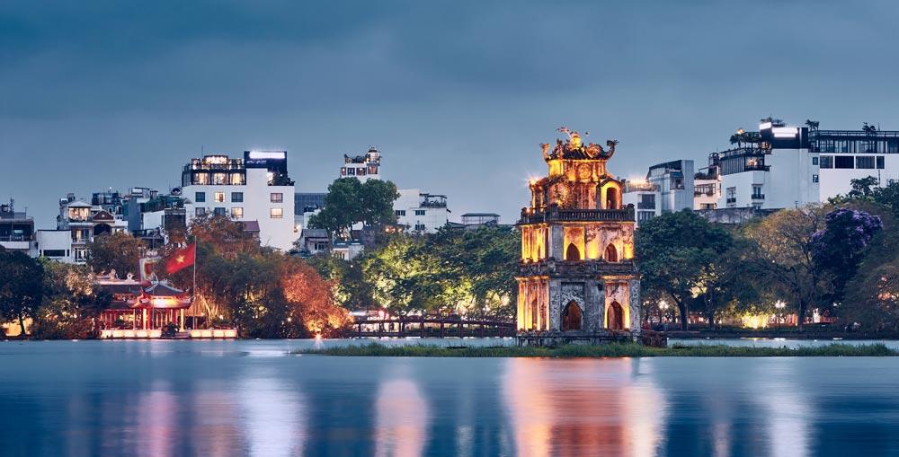 An evening in Hanoi, Hoan Kiem Lake Hanoi 3 weeks in Vietnam
