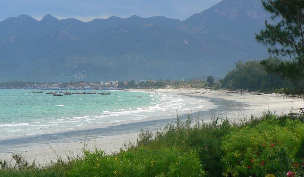 Doc Let beach best beaches in Vietnam