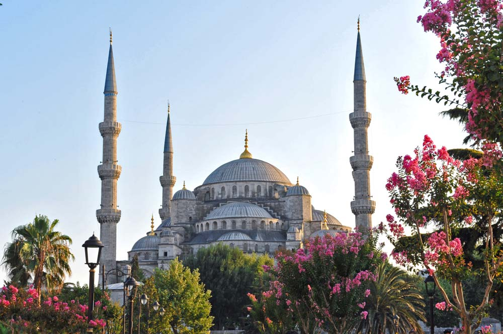 Blue Mosque in Istanbul at sunrise