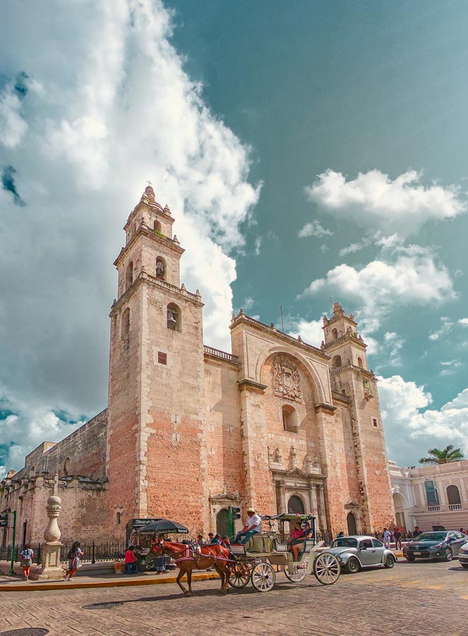 iconic building in romantic things to do in Merida Mexico