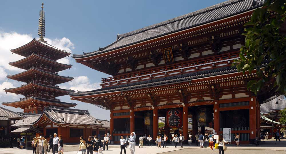 Senso-ji temple in Tokyo, Japan - a cool thing to do in Tokyo