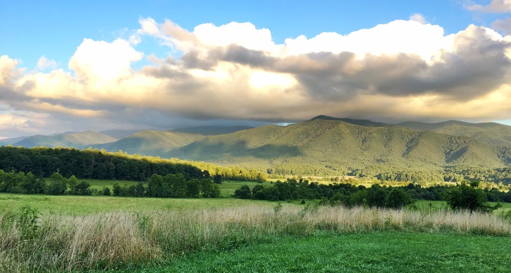 Cades Cove Tennesseee best place to vacation in Tennessee