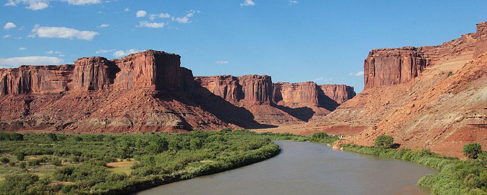Green riverCOAST TO COAST ROAD TRIP